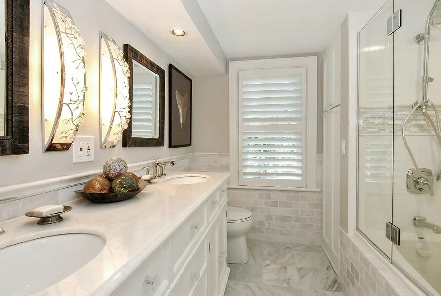 Real Estate Photography - 209 Kelsey Rd, Barrington, IL, 60010 - 2nd Floor Hallway Bathroom