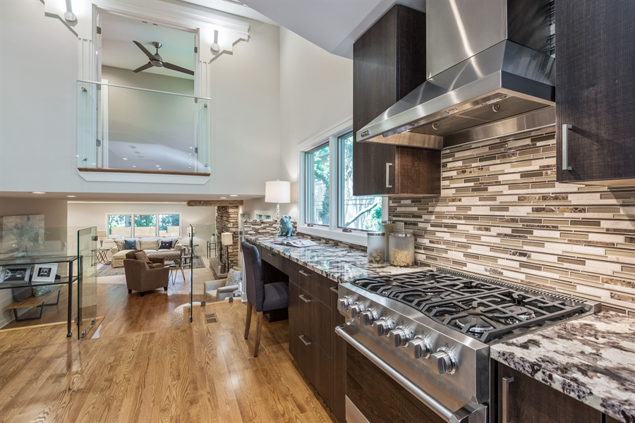 Real Estate Photography - 49 Park Ln, Golf, IL, 60029 - Kitchen