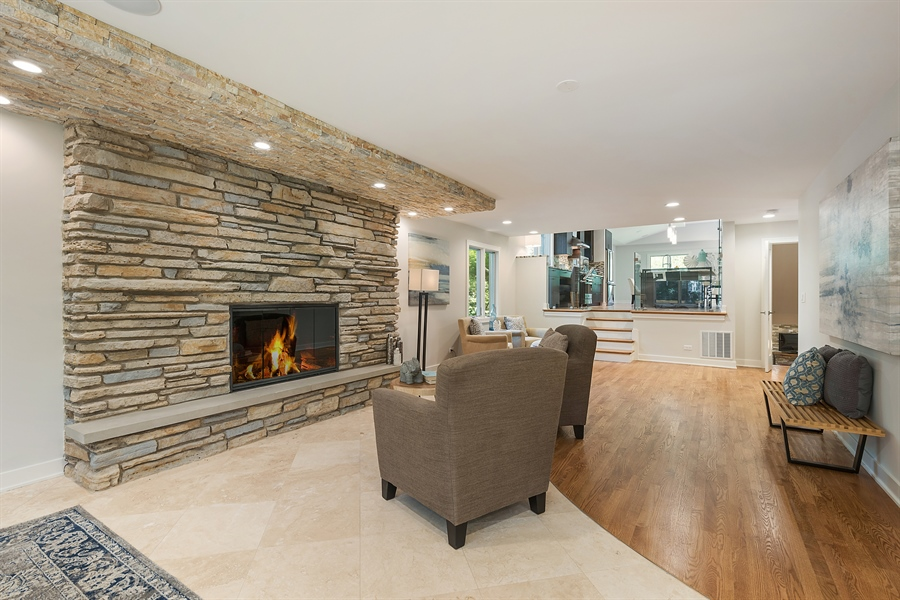 Real Estate Photography - 49 Park Ln, Golf, IL, 60029 - Family Room