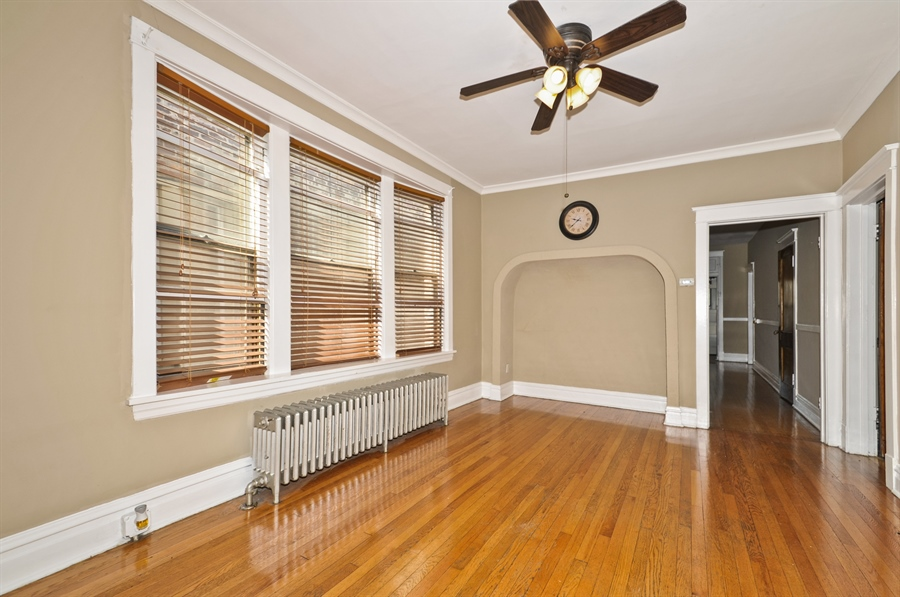 Real Estate Photography - 4910 N Lincoln Ave, 2, Chicago, IL, 60625 - Dining Room