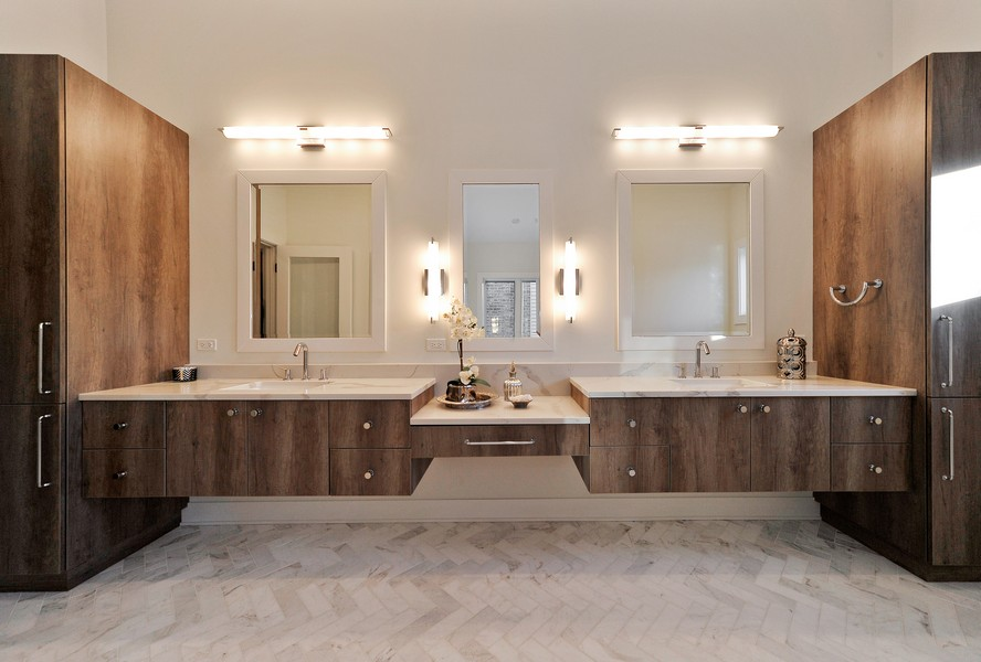 Real Estate Photography - 2169 W Sunnyside, Chicago, IL, 60618 - Master Bathroom
