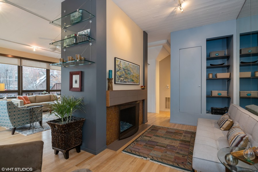 Real Estate Photography - 1855 N Halsted St, 4, Chicago, IL, 60614 - Den With Couch