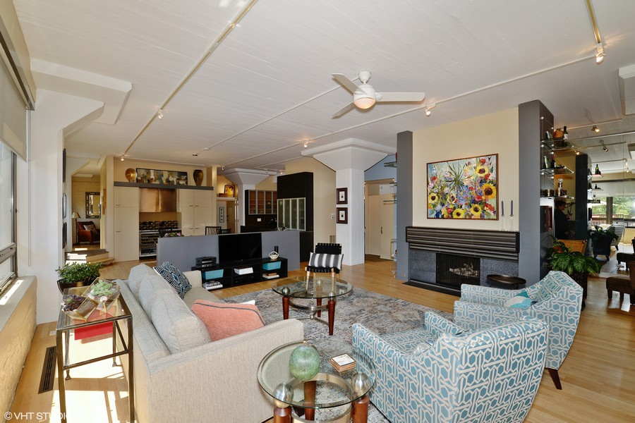 Real Estate Photography - 1855 N Halsted St, 4, Chicago, IL, 60614 - Great Room