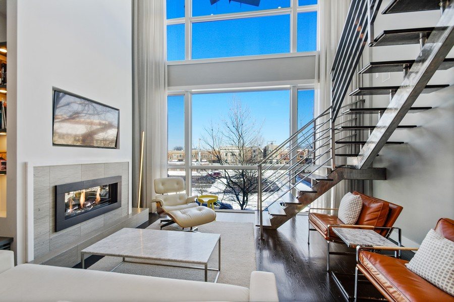 Real Estate Photography - 2532 N. Linden, 3, chicago, IL, 60647 - Living Room
