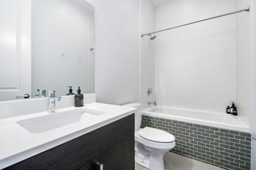 Real Estate Photography - 2532 N. Linden, 3, chicago, IL, 60647 - 3rd Bathroom