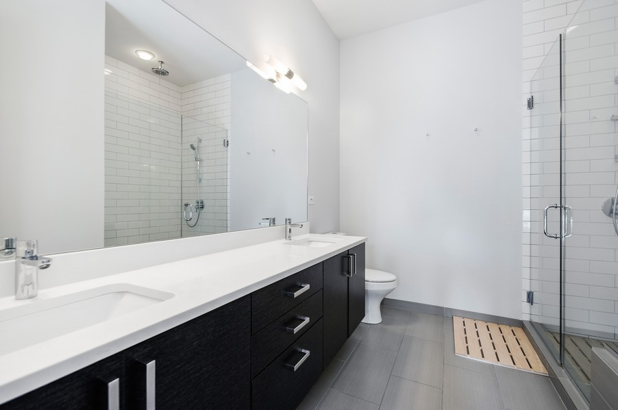 Real Estate Photography - 2532 N. Linden, 3, chicago, IL, 60647 - Master Bathroom