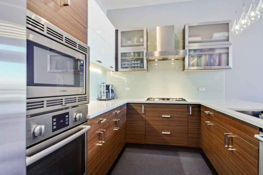 Real Estate Photography - 2532 N. Linden, 3, chicago, IL, 60647 - Kitchen