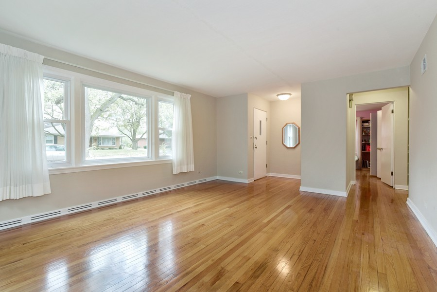Real Estate Photography - 2241 Covert Rd, Glenview, IL, 60025 - Living Room