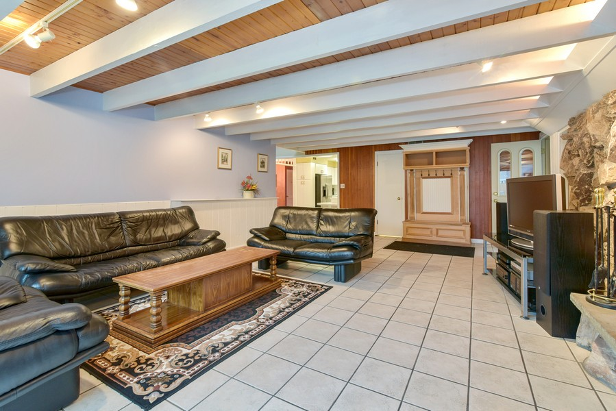 Real Estate Photography - 2241 Covert Rd, Glenview, IL, 60025 - Family Room