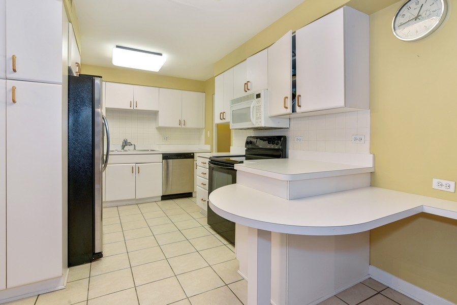 Real Estate Photography - 2241 Covert Rd, Glenview, IL, 60025 - Kitchen