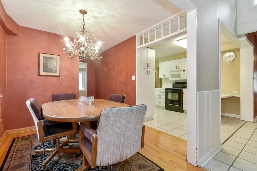 Real Estate Photography - 2241 Covert Rd, Glenview, IL, 60025 - Kitchen / Dining Room