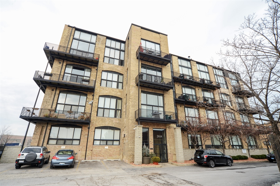 Real Estate Photography - 2614 N Clybourn, 408, Chicago, IL, 60614 - Front View