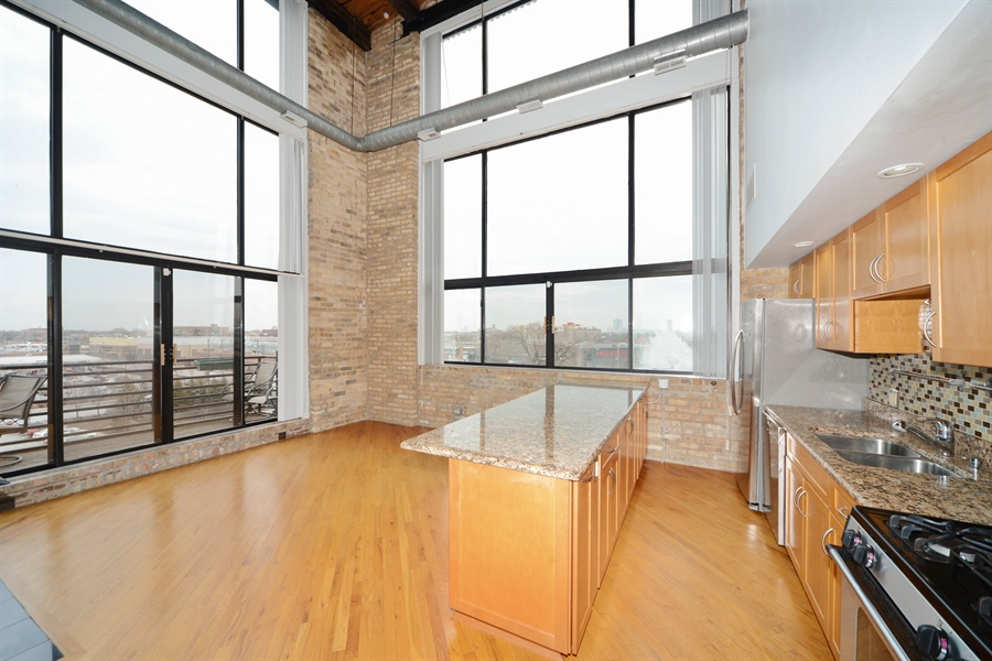 Real Estate Photography - 2614 N Clybourn, 408, Chicago, IL, 60614 - Kitchen / Living Room