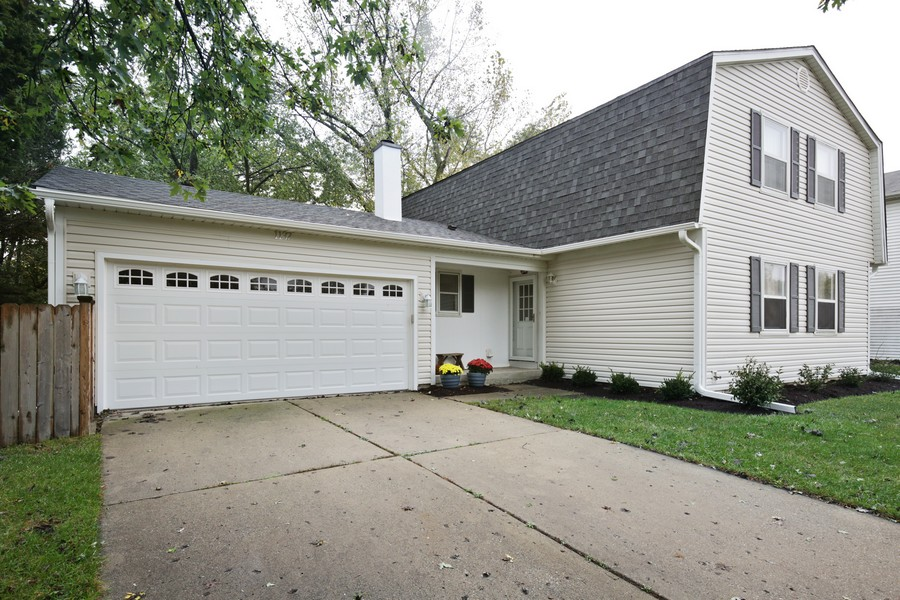 Real Estate Photography - 1137 Downing, Hoffman Estates, IL, 60192 - Front View