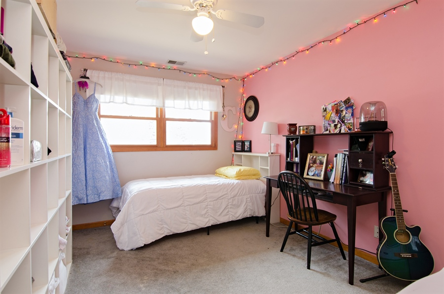 Real Estate Photography - 729 Warren, Palatine, IL, 60074 - 3rd Bedroom