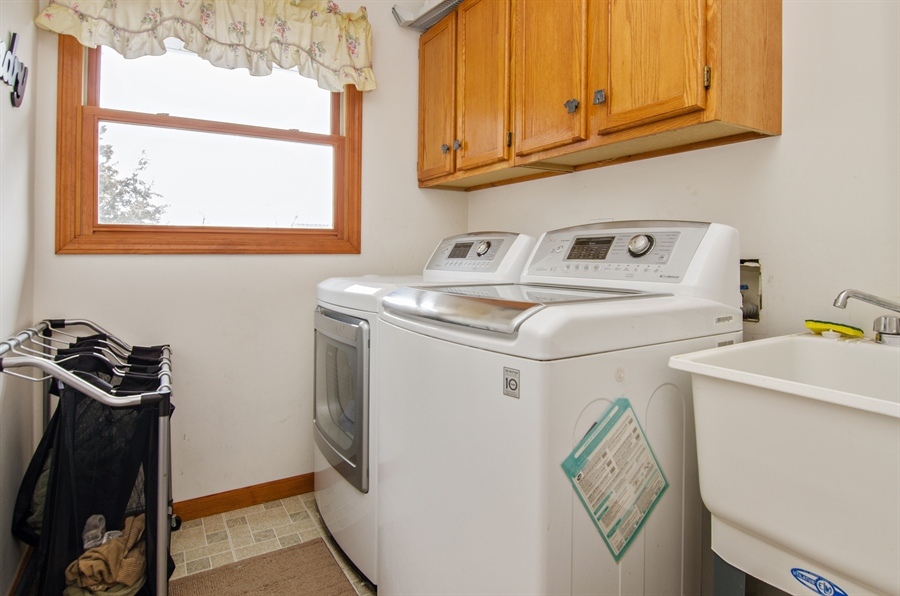 Real Estate Photography - 729 Warren, Palatine, IL, 60074 - Laundry Room