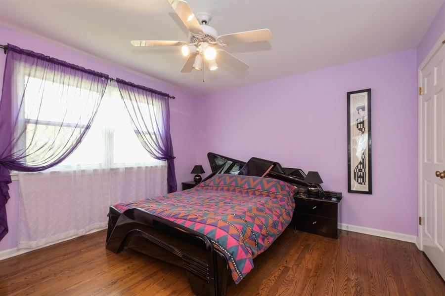 Real Estate Photography - 1910 Landwehr, Northbrook, IL, 60062 - 2nd Bedroom