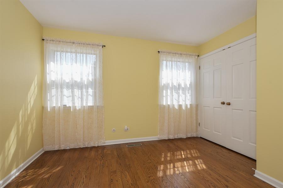 Real Estate Photography - 1910 Landwehr, Northbrook, IL, 60062 - Bedroom
