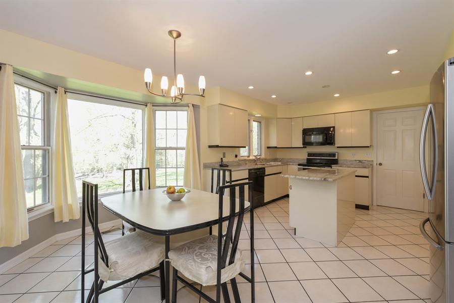 Real Estate Photography - 1910 Landwehr, Northbrook, IL, 60062 - Kitchen/Breakfast Area