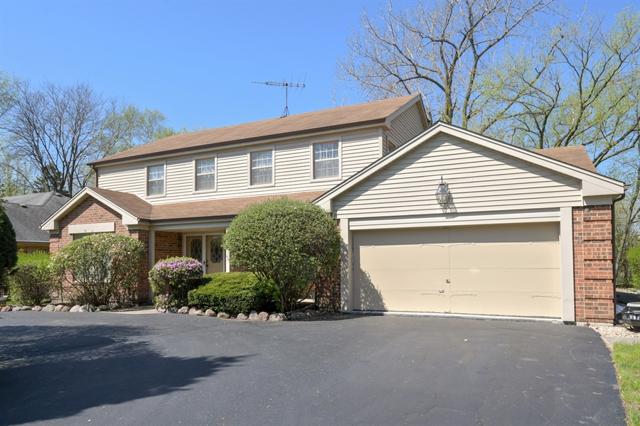 Real Estate Photography - 1910 Landwehr, Northbrook, IL, 60062 - Front View