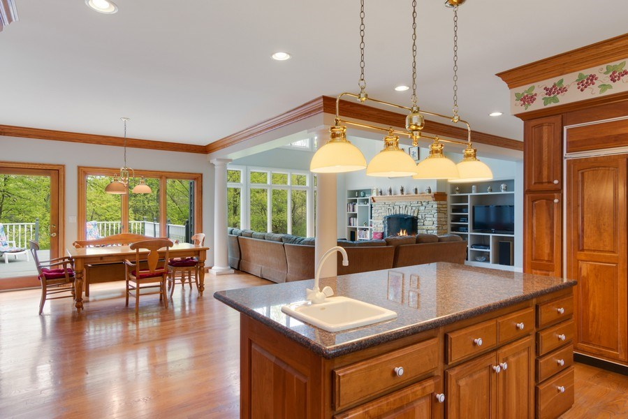 Real Estate Photography - 26709 N Countryside Lake Dr, Mundelein, IL, 60060 - Kitchen / Breakfast Room
