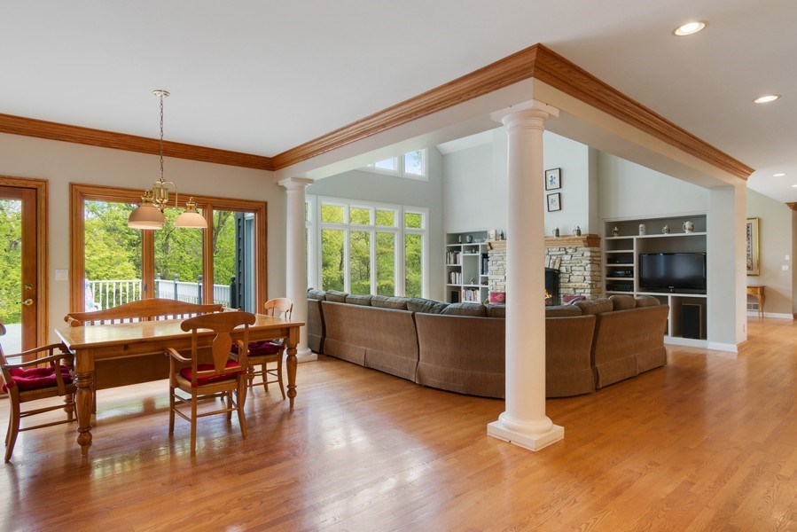 Real Estate Photography - 26709 N Countryside Lake Dr, Mundelein, IL, 60060 - Breakfast Area