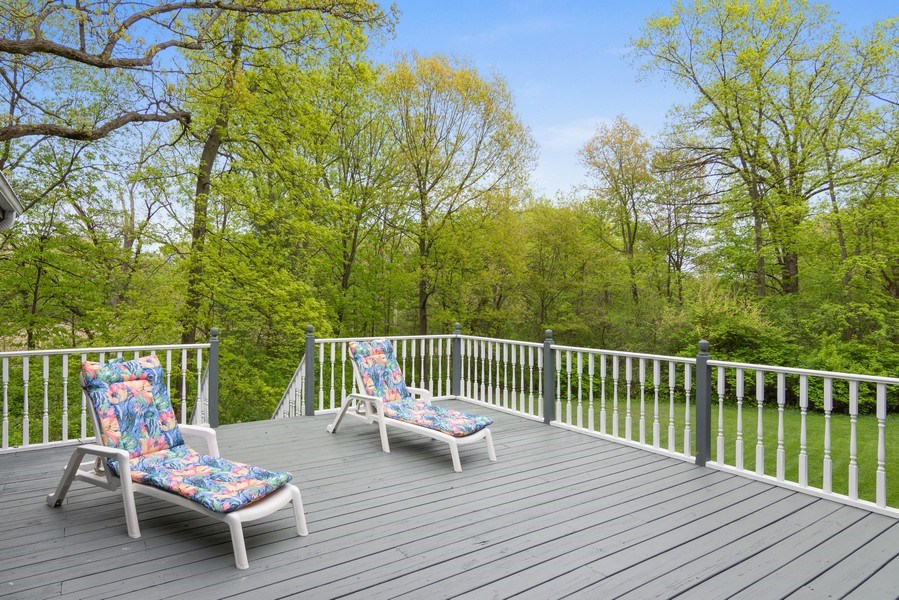 Real Estate Photography - 26709 N Countryside Lake Dr, Mundelein, IL, 60060 - Deck