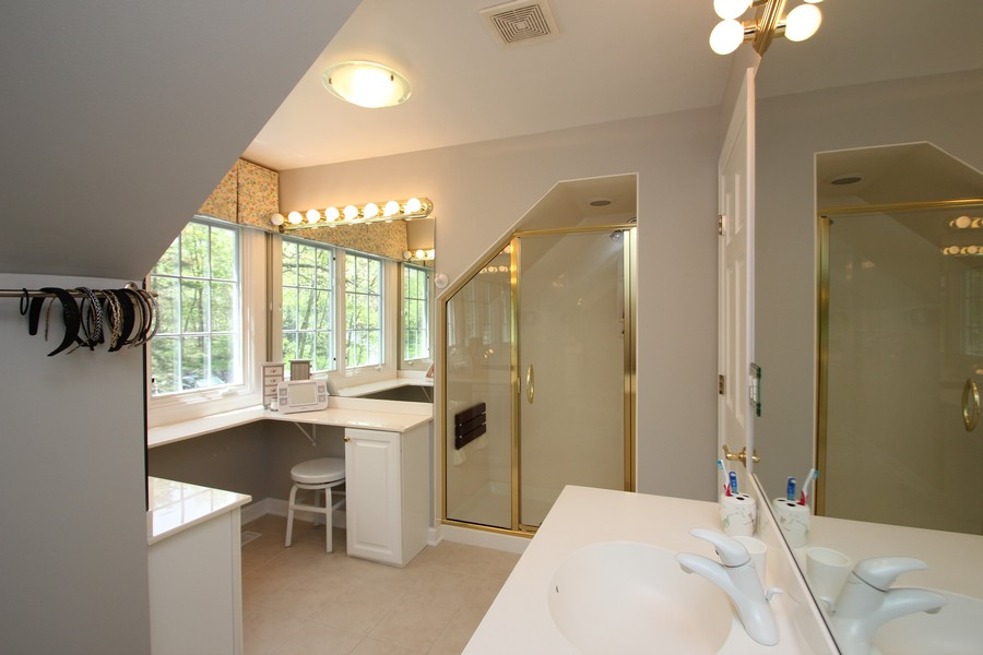 Real Estate Photography - 26709 N Countryside Lake Dr, Mundelein, IL, 60060 - Bathroom 2 - Princess Suite