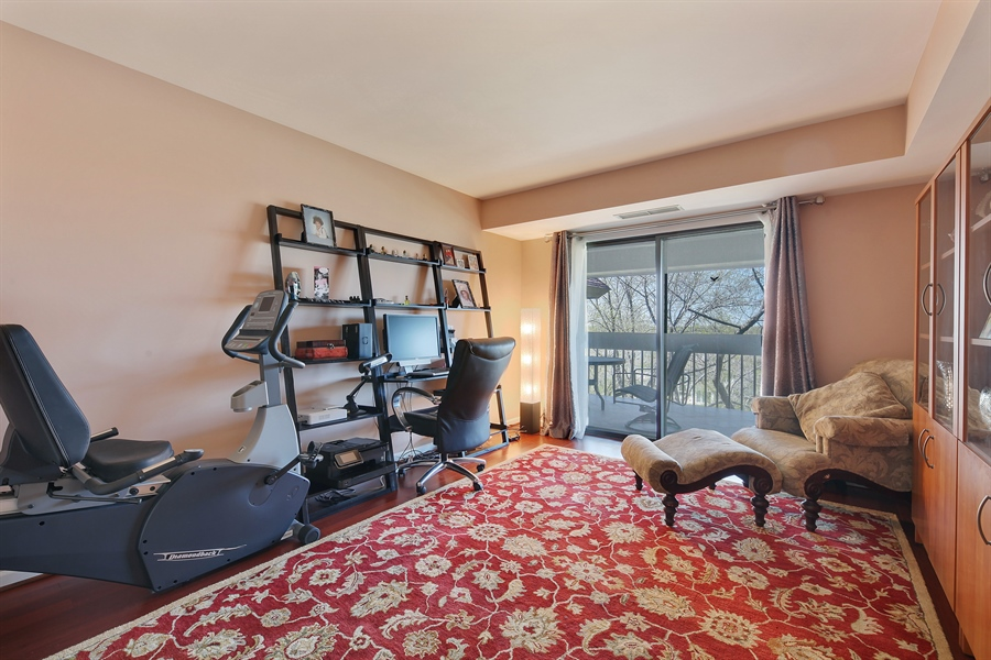 Real Estate Photography - 1621 Mission Hill, Unit 508, Northbrook, IL, 60062 - 2nd Bedroom