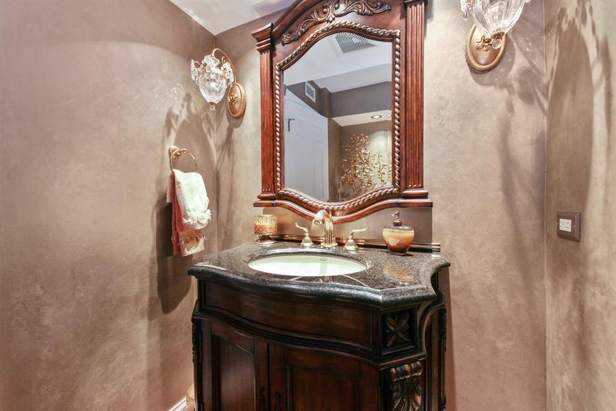 Real Estate Photography - 1621 Mission Hill, Unit 508, Northbrook, IL, 60062 - Half Bath