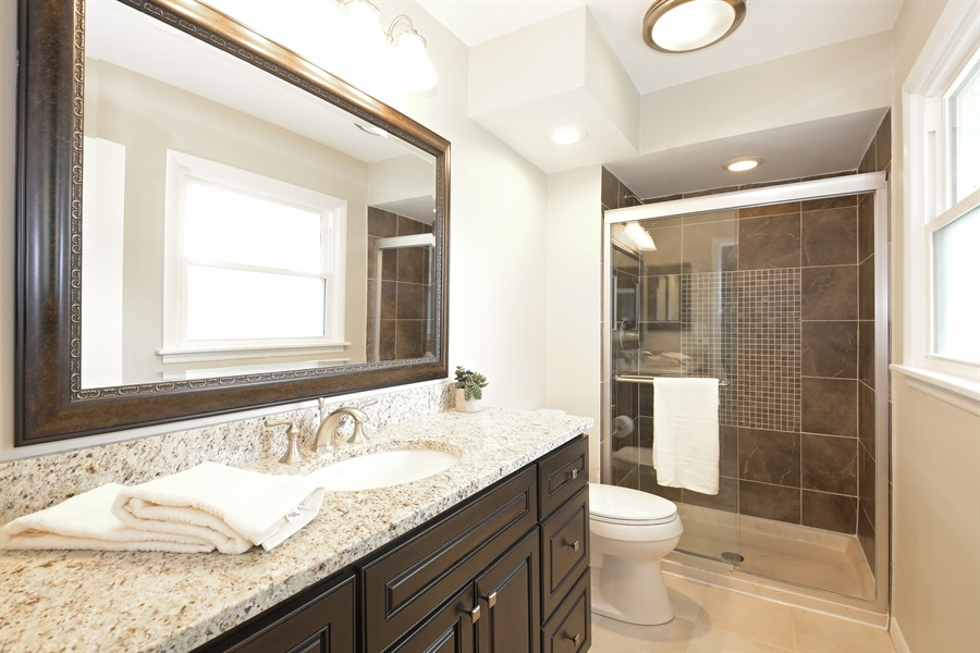 Real Estate Photography - 1635 We Go Trl, Deerfield, IL, 60015 - Master Bathroom