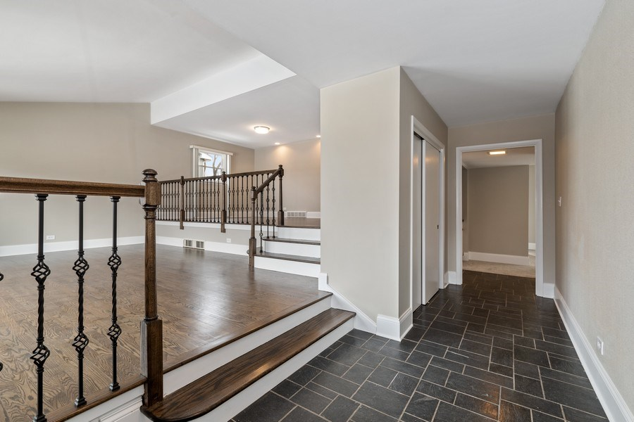 Real Estate Photography - 1635 We Go Trl, Deerfield, IL, 60015 - Foyer