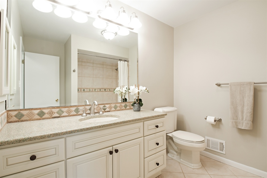 Real Estate Photography - 1635 We Go Trl, Deerfield, IL, 60015 - Bathroom