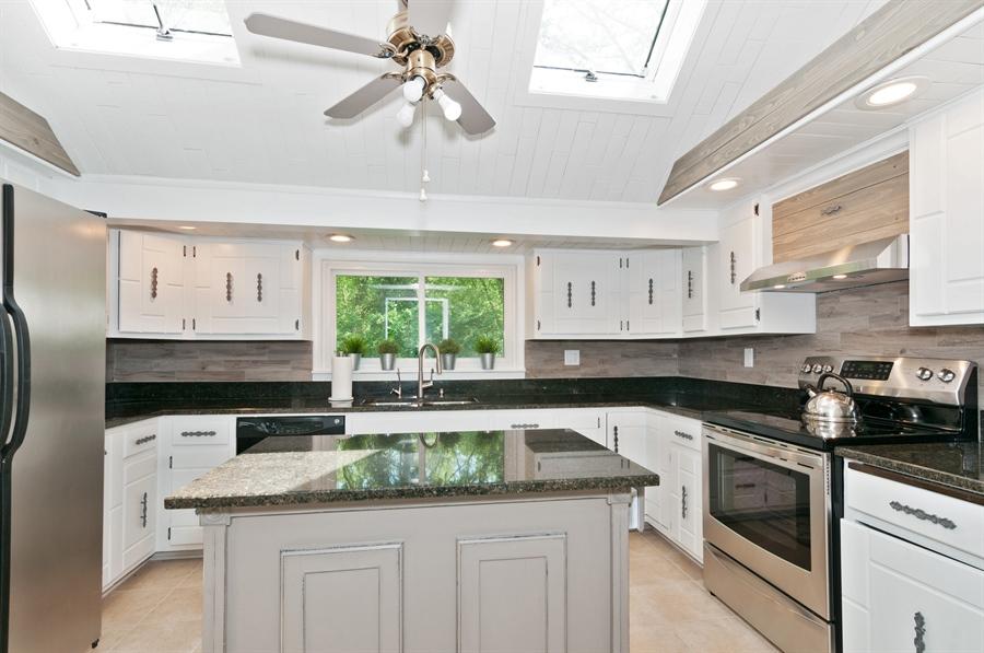 Real Estate Photography - 29W631 Schick, Bartlett, IL, 60103 - Kitchen