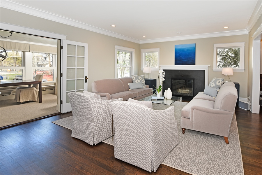 Real Estate Photography - 1133 Ashland, Wilmette, IL, 60091 - Formal Living Room
