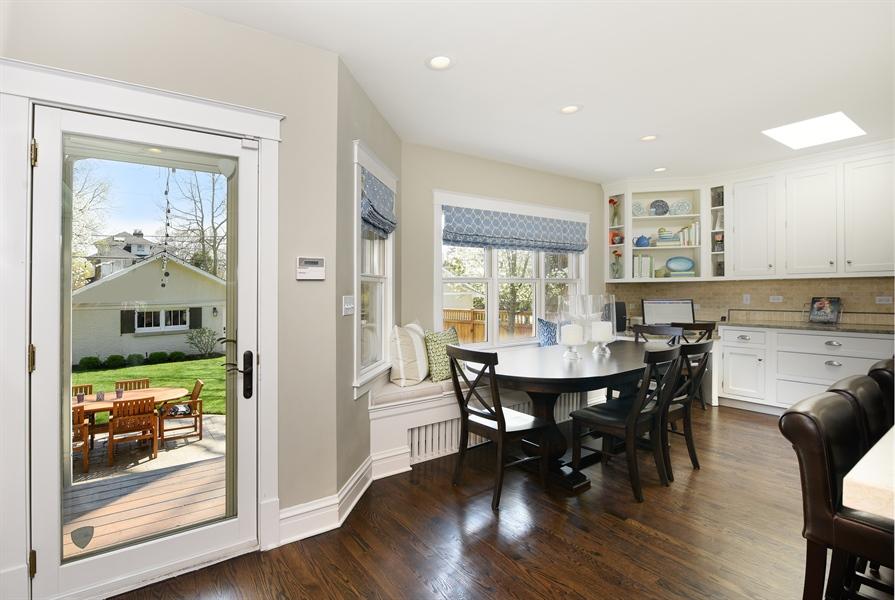 Real Estate Photography - 1133 Ashland, Wilmette, IL, 60091 - Breakfast Area/Built-in Banquette