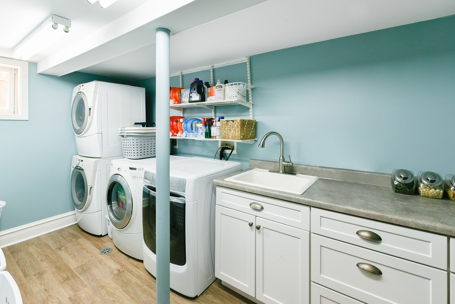 Real Estate Photography - 1133 Ashland, Wilmette, IL, 60091 - Laundry Room