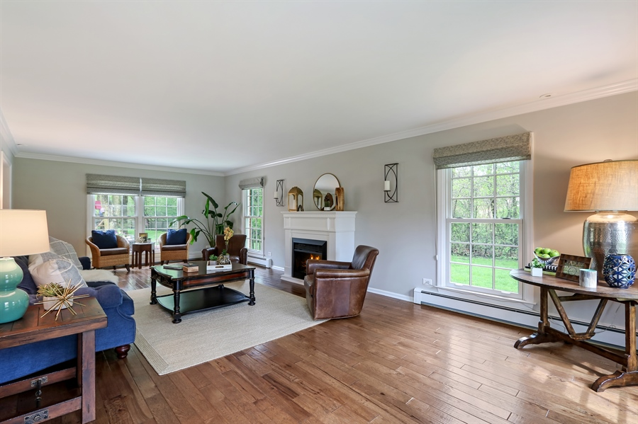 Real Estate Photography - 586 Meadowood Dr, Lake Forest, IL, 60045 - Living Room
