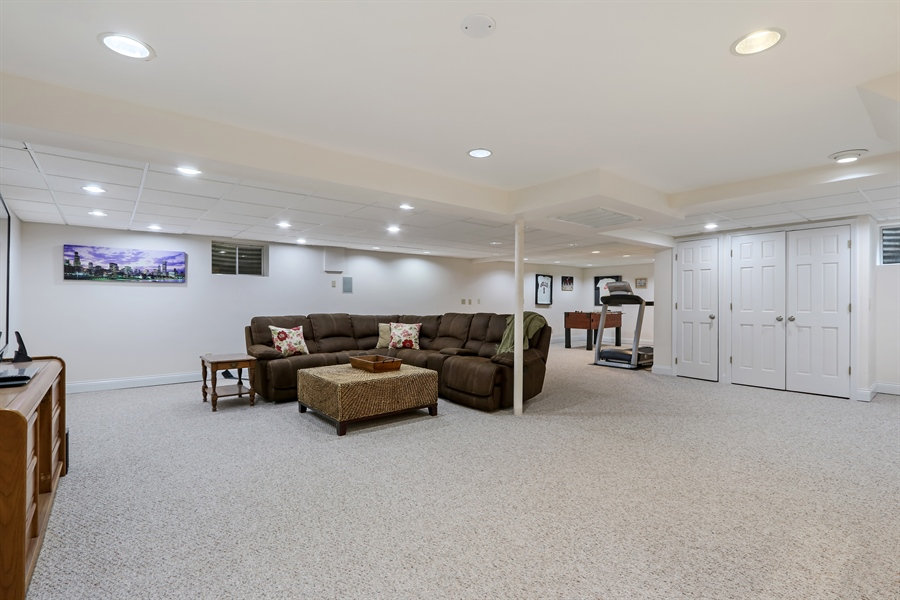 Real Estate Photography - 586 Meadowood Dr, Lake Forest, IL, 60045 - Basement