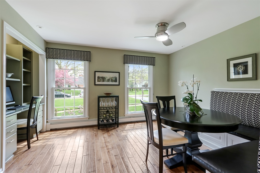 Real Estate Photography - 586 Meadowood Dr, Lake Forest, IL, 60045 - Breakfast Area