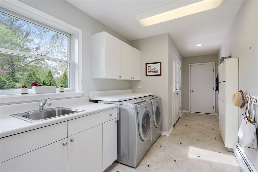 Real Estate Photography - 586 Meadowood Dr, Lake Forest, IL, 60045 - Laundry Room