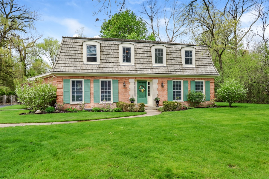 Real Estate Photography - 586 Meadowood Dr, Lake Forest, IL, 60045 - Front View