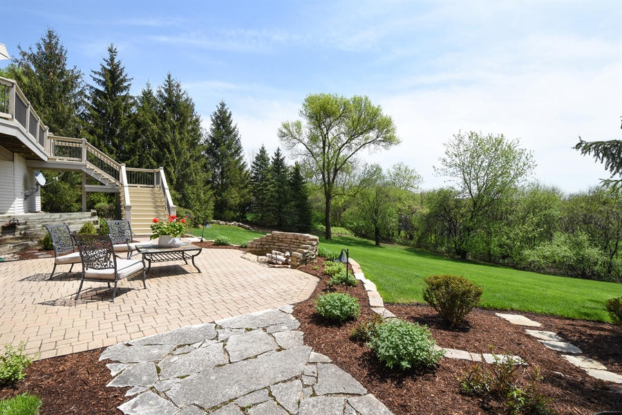 Real Estate Photography - 9 Hubbell Ct, Barrington Hills, IL, 60010 - Patio