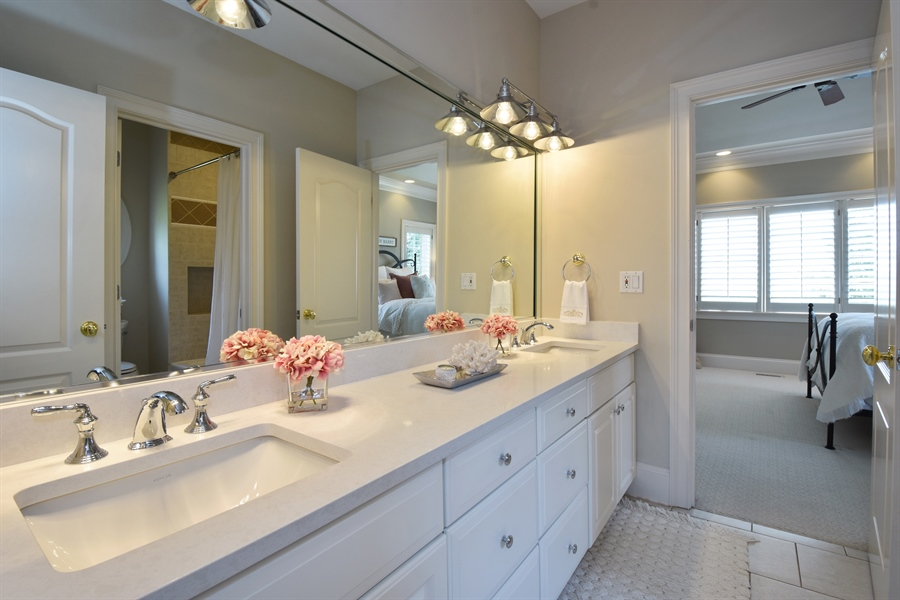 Real Estate Photography - 9 Hubbell Ct, Barrington Hills, IL, 60010 - 2nd Bathroom