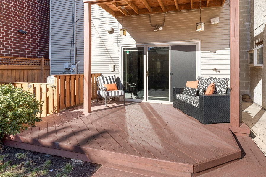 Real Estate Photography - 2127 W School St, Chicago, IL, 60618 - Patio