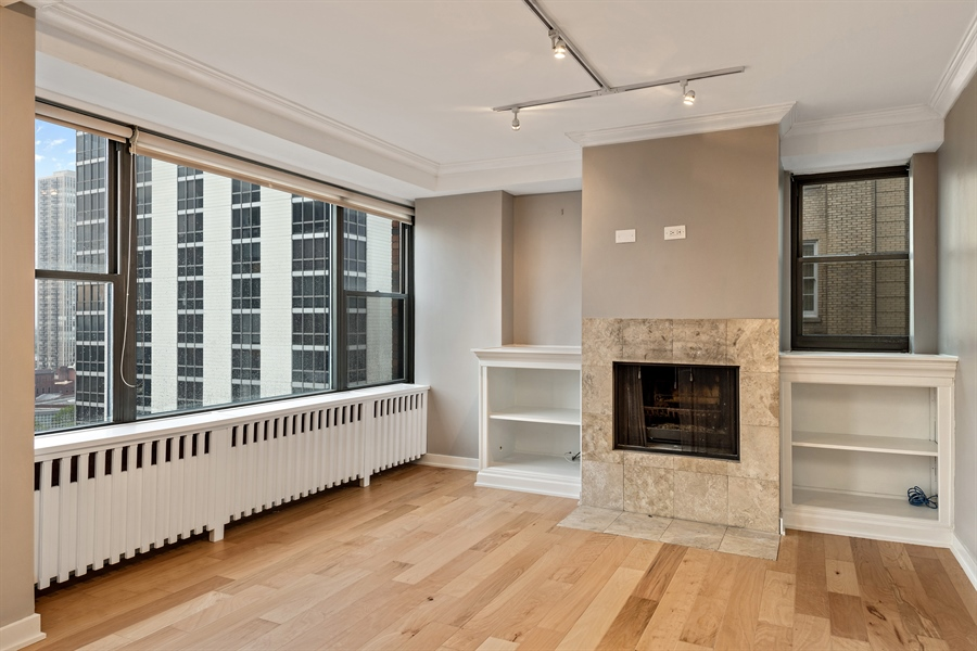 Real Estate Photography - 1540 N State St, Unit 15B, Chicago, IL, 60610 - Living Room