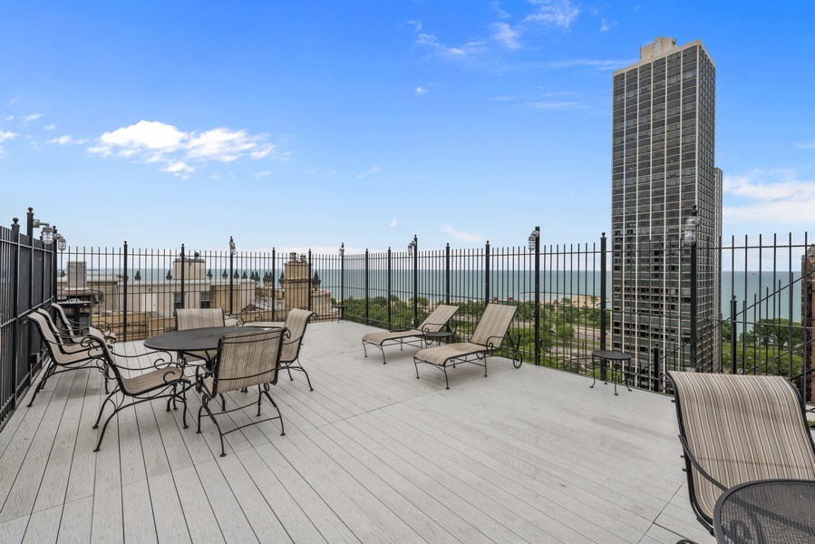 Real Estate Photography - 1540 N State St, Unit 15B, Chicago, IL, 60610 - Roof Deck