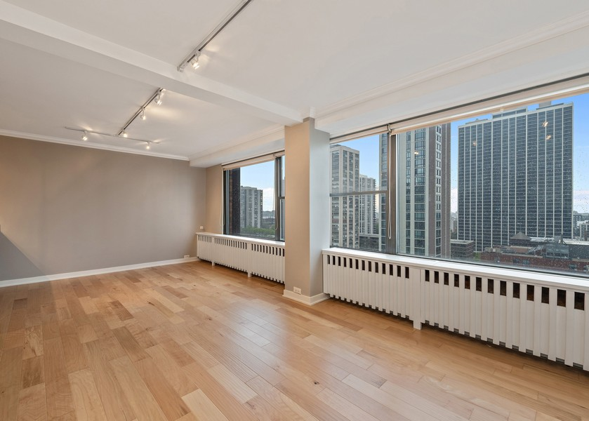 Real Estate Photography - 1540 N State St, Unit 15B, Chicago, IL, 60610 - Dining Room
