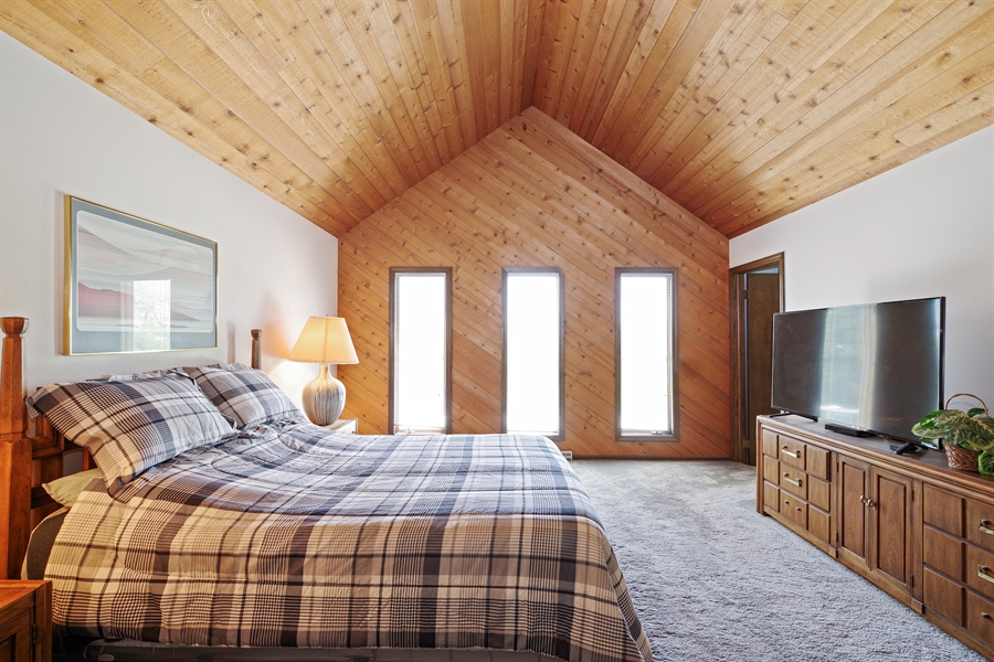 Real Estate Photography - 14405 w Jody Lane, Wadsworth, IL, 60083 - Master Bedroom