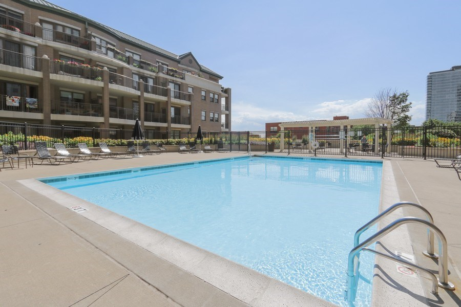 Real Estate Photography - 1111 S State, unit 507, Chicago, IL, 60605 - Outdoor Pool